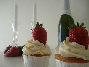 cupcakes fresas y corazón