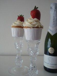brindis champagne y fresas